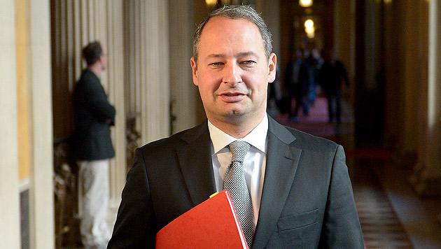 ... SPÖ-Klubobmann Andreas Schieder, ... (Bild: APA/ROLAND SCHLAGER)