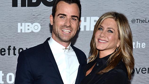 Justin Theroux und Jennifer Aniston haben sich angeblich auf einen Hochzeitstermin geeinigt. (Bild: AP)