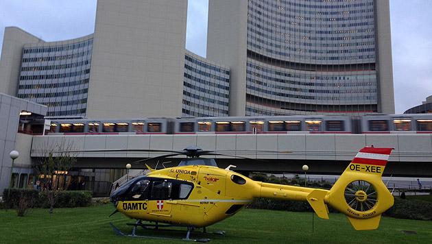 Der ÖAMTC-Notarzthubschrauber vor der UNO-City in Wien (Bild: Andi Schiel)