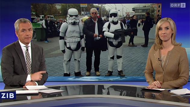 'ZiB 1': 'Die Männer hinter mir kennen Sie sicher: Das sind 'Darth Vaders'.' (Bild: tvthek.orf.at)
