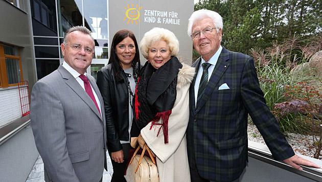 LH Hans Niessl, Tanja Lechner, Birgit Sarata & Ö.-Kinderdörfer-Präsident Erik Hanke (Bild: Judt)