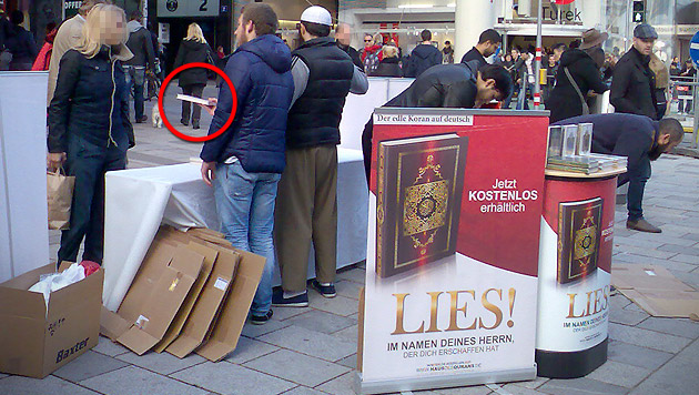 Auf der Wiener Mariahilfer Straße wird ungeniert der Koran verteilt. (Archivbild) (Bild: TS)
