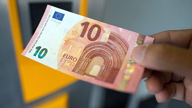 Neue Euro-Scheine verhindern Fingerabdrücke (Bild: APA/dpa)