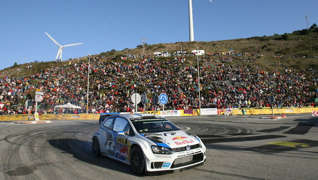 Sebastian Ogier ist erneut Rallye-Weltmeister! (Bild: APA/EPA/JAUME SELLART)
