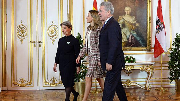 Letizia eröffnete Velazquez-Ausstellung in Wien (Bild: APA/ROLAND SCHLAGER)