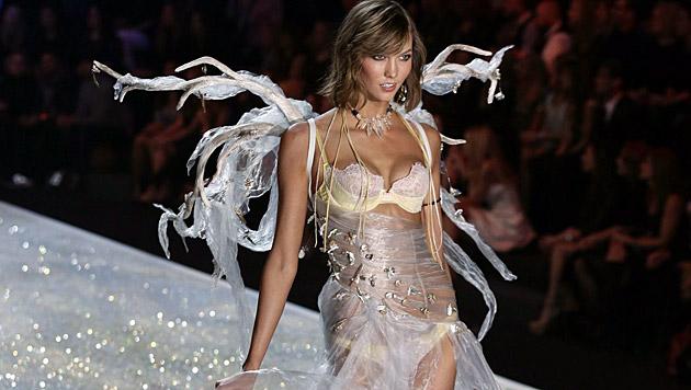 Karlie Kloss am Laufsteg von Victoria's Secret (Bild: EPA)