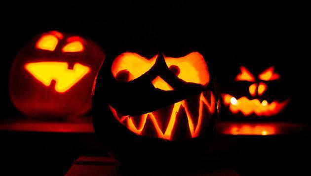 """Halloween: Polizei warnt vor strafbarem """"Saurem"""" (Bild: APA/dpa/unbekannt)"""