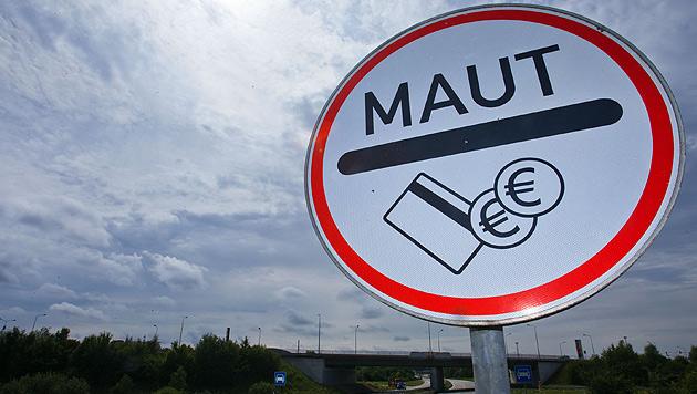 Maut für deutsche Straßen soll nun 2,50 € kosten (Bild: APA/dpa-Zentralbild)