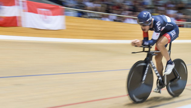Österreicher holt Stunden-Weltrekord auf Rad-Bahn (Bild: APA/EPA/JEAN-CHRISTOPHE BOTT)