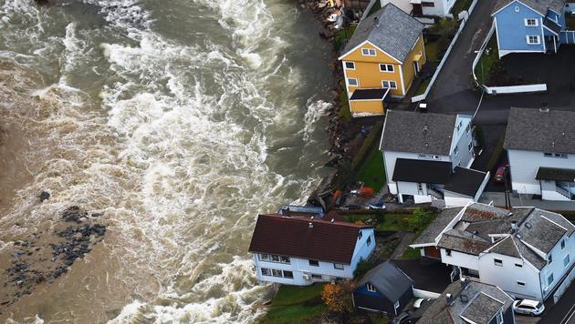 hochwasser riss in norwegen dutzende h user mit tagelanger regen welt. Black Bedroom Furniture Sets. Home Design Ideas