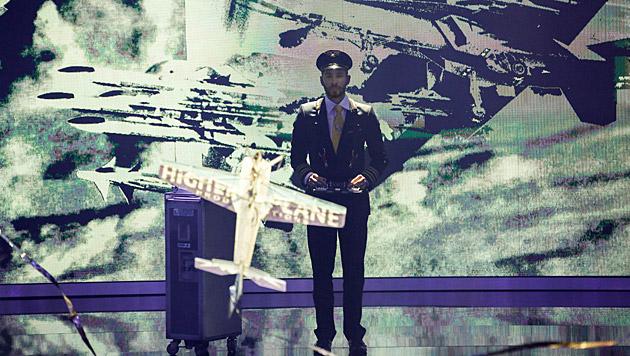 Gernot Bruckmann ließ sein Flugzeug wieder fliegen. (Bild: ORF/Milenko Badzic)