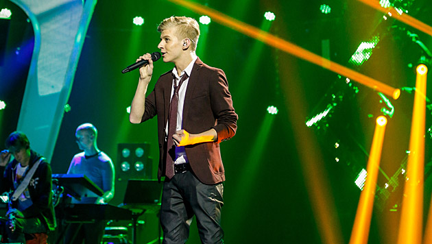 """Thorsteinn Einarsson sang """"Aurora"""". (Bild: ORF/Milenko Badzic)"""