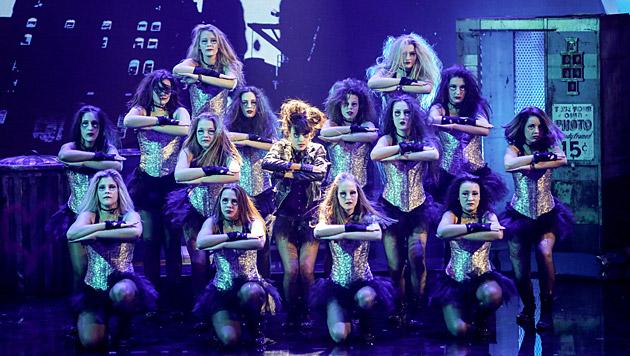 Missy Danceclub performte zu einem Michael-Jackson-Medley. (Bild: ORF/Milenko Badzic)