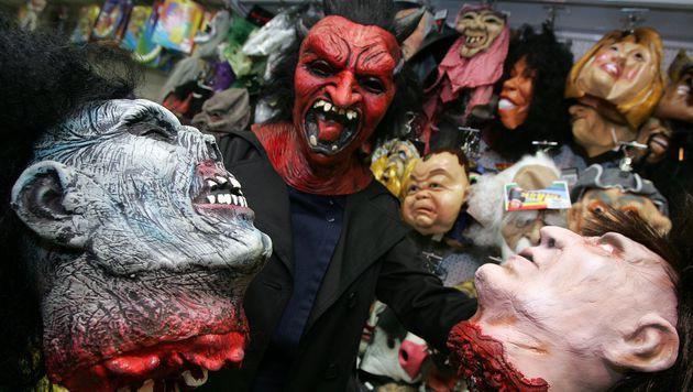 Grusel-Clowns: Welche Gefahr droht zu Halloween? (Bild: APA/ROLAND SCHLAGER)