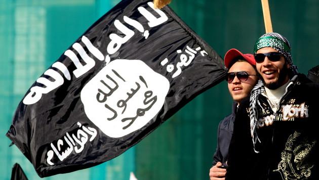 Experte: Noch 2500 Europäer kämpfen für den IS (Bild: EPA/picturedesk.com)