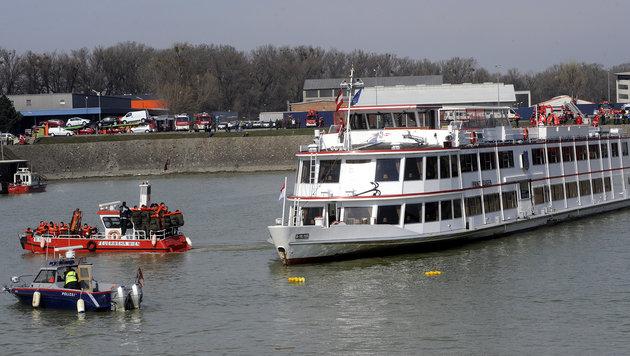 Matrose ging bei Anlegemanöver über Bord - tot (Bild: APA/HERBERT PFARRHOFER (Symbolbild))
