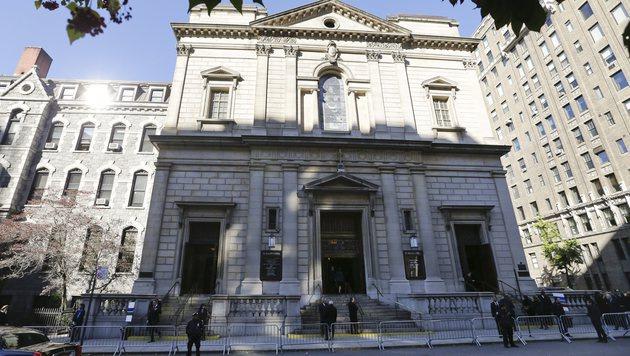 Die Trauerfeier fand in der St.-Ignatius-Kirche statt. (Bild: AP)
