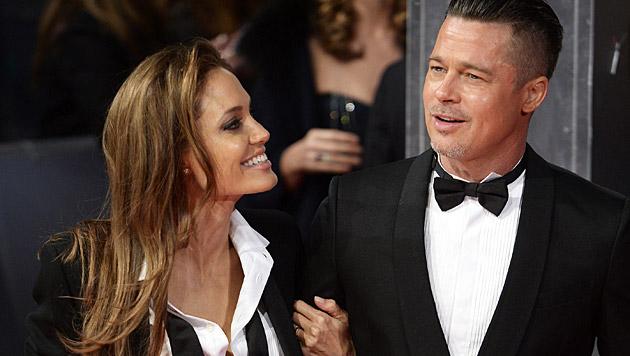 Eine Sex-Hütte haben sich Angelina Jolie und Brad Pitt gebaut. Dort geht's ordentlich zur Sache! (Bild: APA/EPA/FACUNDO ARRIZABALAGA)