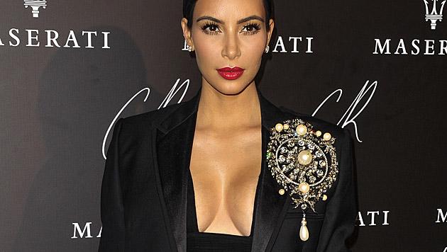 Kim Kardashian beteuert zwar, dass ihr Sexleben mit Kanye West super sei, ... (Bild: AP)