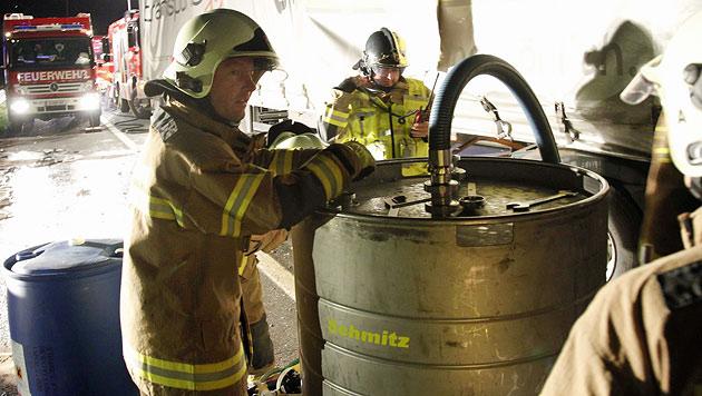 400 Liter Diesel sickerten ins Erdreich. (Bild: Markus Tschepp)