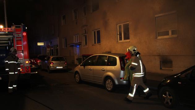 Insgesamt elf Bewohner wurden verletzt. (Bild: Berufsfeuerwehr Linz)