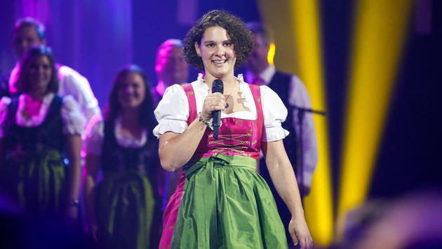 Petra Mayer bei ihrem Auftritt (Bild: ORF/Milenko Badzic)
