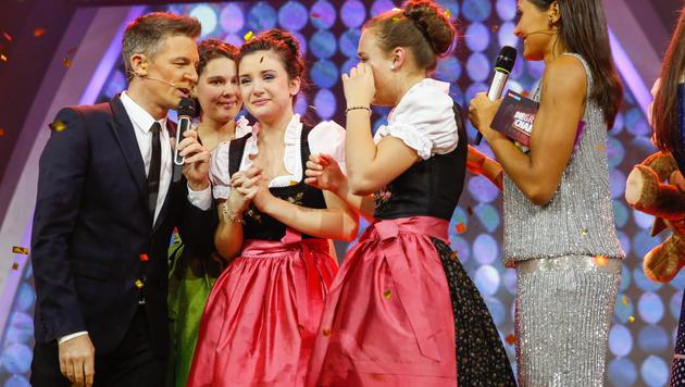 "Im Bild: Andi Knoll, Petra Mayer, Duo ""Harfonie"" und Alice Tumler (Bild: ORF/Milenko Badzic)"