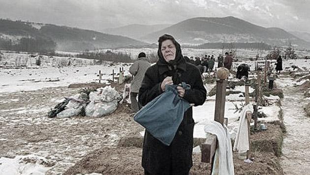 16 Bewohner wurden bei dem Massaker im serbischen Dorf Serdari getötet. (Bild: EPA Archivbild)