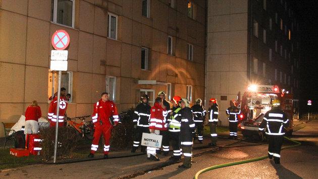 46 Menschen wurden aus dem Gebäude gerettet. (Bild: Daniel Scharinger)