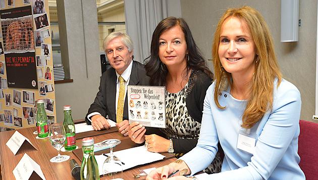 Volker Schütz, Ulli Sima und Maggie Entenfellner bei einer Pressekonferenz zur Welpenmafia (Bild: Kromus)