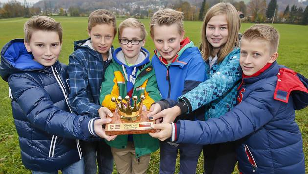 """Raphael, Lukas, Stefan, Michael, Silvia und Niklas erhielten die """"Goldene Krone"""". (Bild: MARKUS TSCHEPP)"""