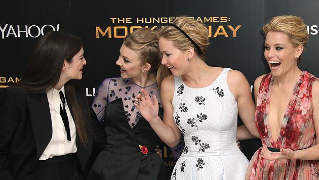 Die Stars haben sichtlich Spaß: Lorde, Natalie Dormer, Jennifer Lawrence und Elizabeth Banks (Bild: AP, EPA)