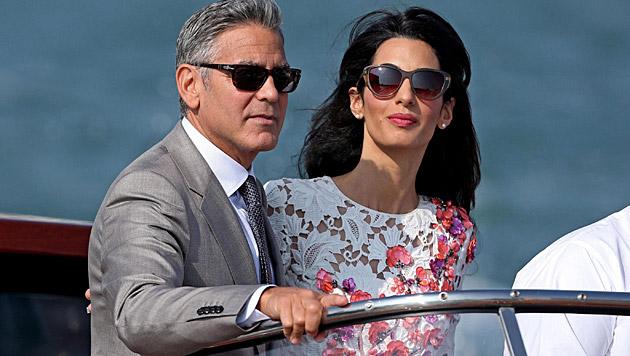 George Clooney und seine Amal (Bild: APA/EPA/ALESSANDRO DI MEO)
