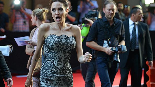 Angelina Jolie raucht heimlich - Ehemann Brad Pitt ärgert das. (Bild: AFP)