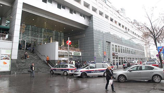 Bombendrohung in Wiener Millennium-City (Bild: Andi Schiel)