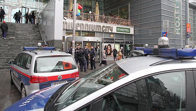 Bombendrohung in Wiener Millennium-City (Bild: Andi Schiel (Symbolbild))