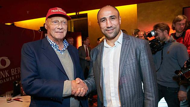 Niki Lauda mit Box-Weltmeister Arthur Abraham (Bild: Alexander Tuma)