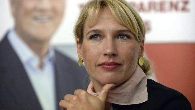 Team-Stronach-Klubobfrau Nachbaur ist schwanger (Bild: APA/HANS KLAUS TECHT)