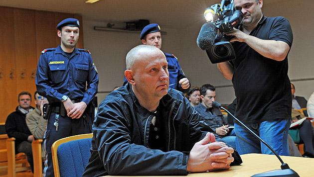 Mario Dutzler gestand, sein damals 80-jähriges Opfer vergewaltigt und erdrosselt zu haben. (Bild: Markus Wenzel)