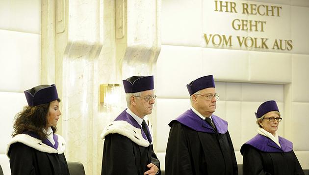 VfHG-Mitglieder Brigitte Bierlein, Gerhart Holzinger, Rudolf Müller und Eleonore Berchtold-Ostermann (Bild: APA/Herbert Pfarrhofer)