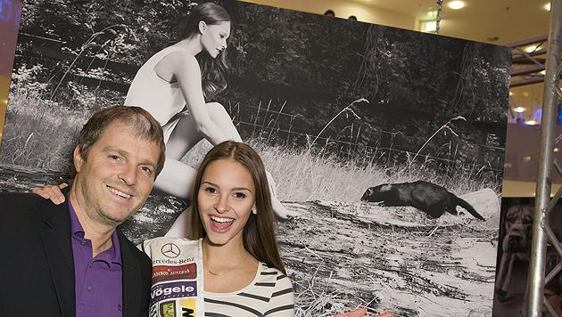 Manfred Baumann und Miss Austria Julia Furdea (Bild: Vier Pfoten/Tibor Rauch)