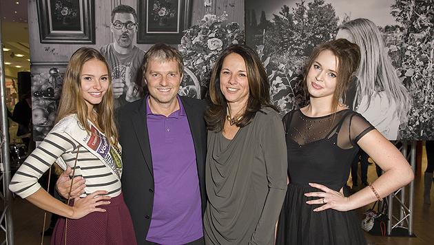 Julia Furdea, Manfred Baumann, Vera Russwurm und Roxanne Rapp (Bild: Vier Pfoten/Tibor Rauch)