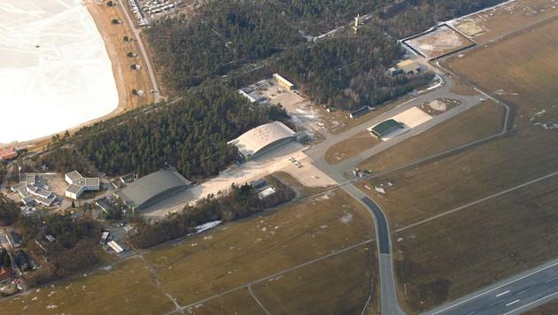 Das Areal des Fliegerhorst Nittner liegt direkt neben der Rollbahn des Grazer Flughafens. (Bild: BMLVS)