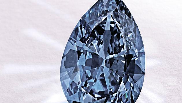 """Blauer Diamant für 26 Millionen Euro versteigert (Bild: AP/Sotheby""""s)"""