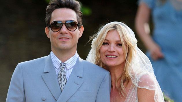Kate Moss googelte heiße Männer und stieß auf Jamie Hince, dann heiratete sie ihn. (Bild: AFP)