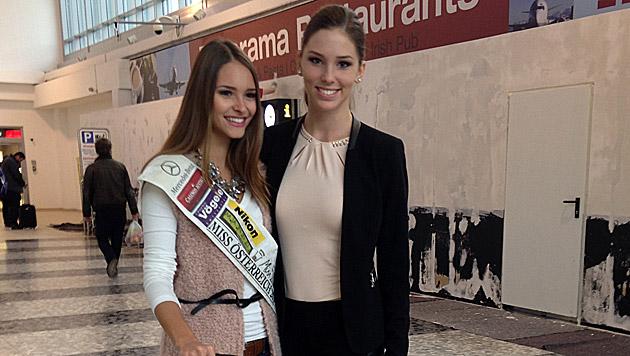 """Julia trifft die """"Miss Slowakei"""" Laura Longauerová am Flughafen. (Bild: Julia Furdea)"""