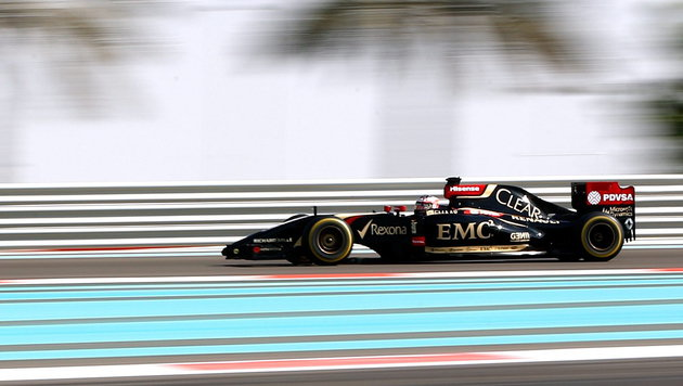 Lotus-Pilot Grosjean zu saftiger Strafe verdonnert (Bild: APA/EPA/VALDRIN XHEMAJ)