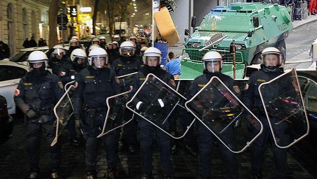 Wiener Polizei kämpft mit massiven Geldproblemen (Bild: APA/HERBERT P. OCZERET, krone.at-Grafik)