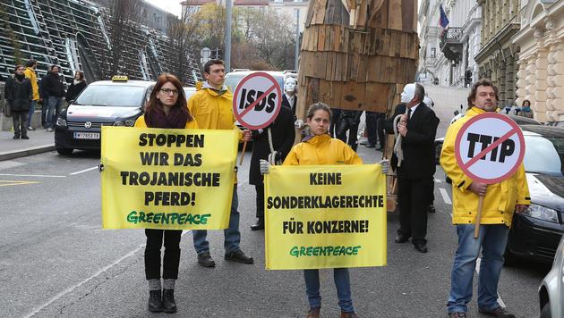 TTIP könnte in Österreich 4600 Jobs vernichten (Bild: zwefo)