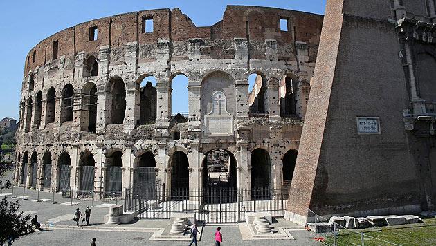 Touristen belästigt: Rom verbannt Zenturionen (Bild: APA/EPA/ALESSANDRO DI MEO)